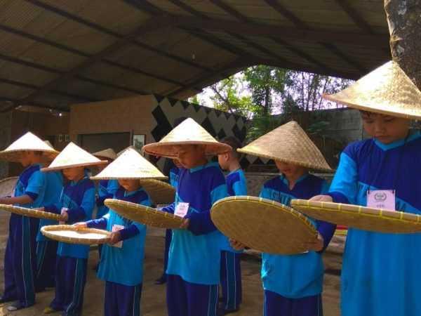 Outbound Kelas 1 & 2 di Ciseeng Bogor