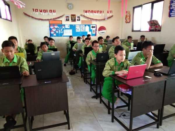 PENILAIAN TENGAH SEMESTER SISTEM CBT (COMPUTER BASED TEST)