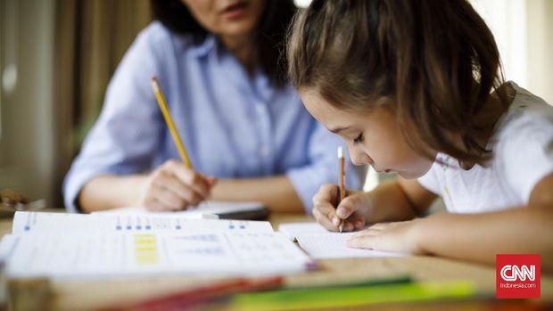 8 Cara Agar Anak Disiplin Belajar di Rumah saat Wabah Corona